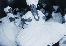 Baiana dancing