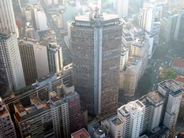 Edificio Itália in São Paulo. Photo via Wikimedia Commons.