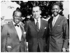 Ataulfo Alves (right) with Louis Armstrong and  Juscelino Kubischek, 1960.