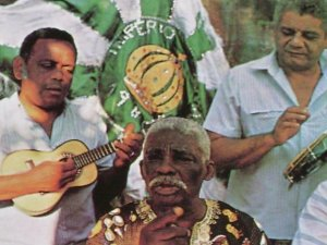 Aniceto was one of the founders of the Império Serrano samba school in March 1947.