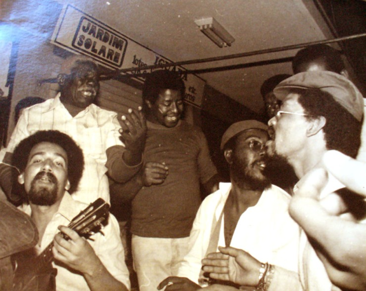After work at the port, Aniceto (standing, left corner) used to get together with other longshoremen to sing and compose sambas.