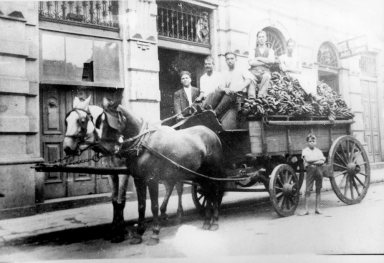 Sao-Paulo-imigrantes-italianos-1920-mooca_museu-imigracao-bx.jpg